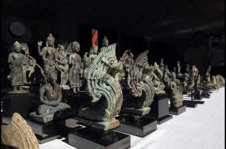 Japanese collector returns ancient artifacts to Cambodia